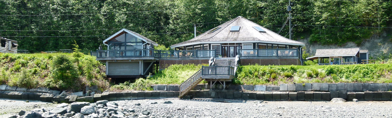 And image of some of the Cabins by the beach